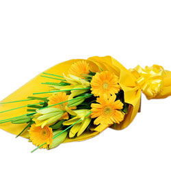 Stunning Yellow Gerberas N Yellow Lilies Bouquet