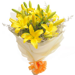 Summery Bouquet of Yellow Lilies