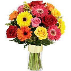 Exclusive Glass Vase display of Roses & Gerberas
