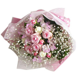 Chic Bouquet of White N Soft Pink Roses decked with Elegant Fillers
