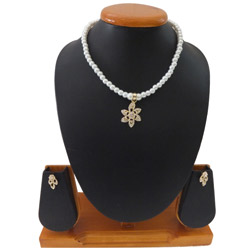 Enticing Ladies Special White Pearl Necklace Set