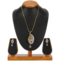 Affluent Magnificence Pendent and Earrings Set