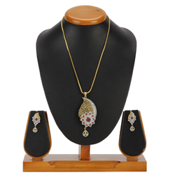 Booming Glory Pendent and Earrings Set