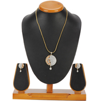 Artistic Exuberance Pendent and Earrings Set