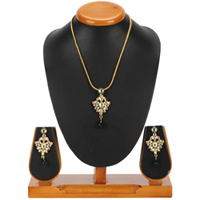 Notable Nistha Kundan Pendant and Earrings Set from Avon