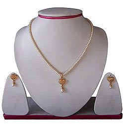 Heart Shaped Rhinestone Studded Genuine Pearl Necklace and Earring Set