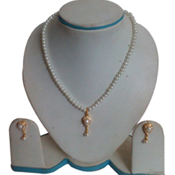 Elegant collection of Fashion Pearl Teardrop Necklace Set