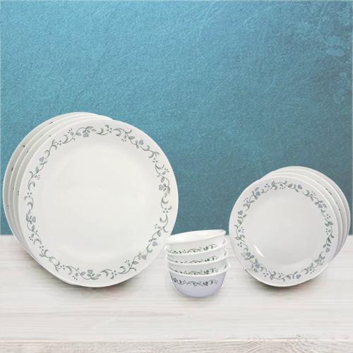 Lovely Corelle White n Green Country Cottage Dinner Set