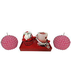 Dreamy Candle Hamper in Strawberry Style