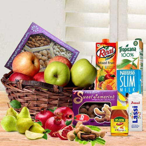 Yummy Royal Breakfast Gift Basket of Healthy Juice  N  Fruits