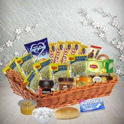 Little Luxuries English Style Lunch Basket