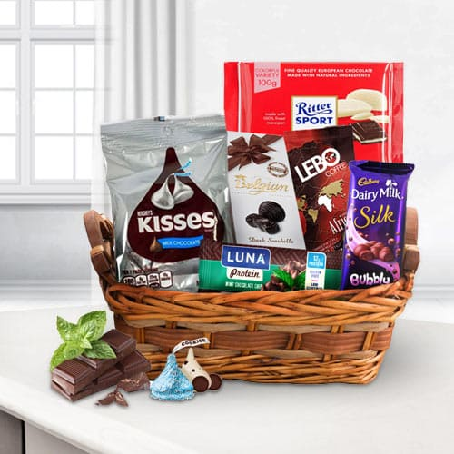 Toothsome Choco Essential Gift Basket<br>