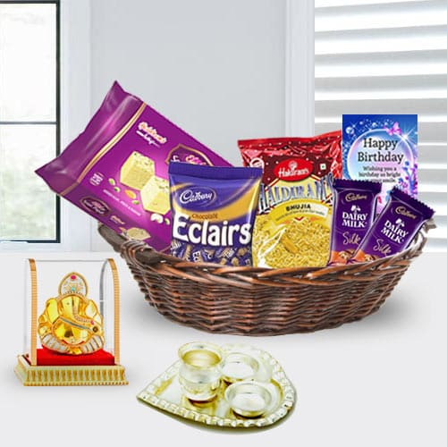 Lovely Gift Basket for Her Birthday<br>