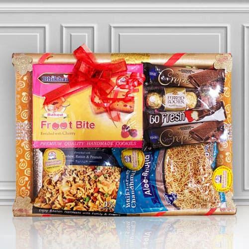 Lip-Smacking Sweet n Namkeen Gift Basket for Mummy