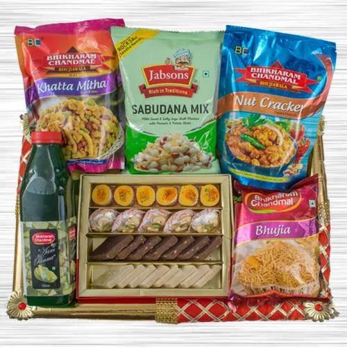 Exquisite Food N Assortments Hamper