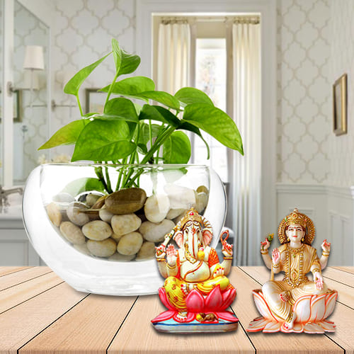 Festive Gift of Holy Lakshmi Ganesh Murti with Green Money Plant<br>