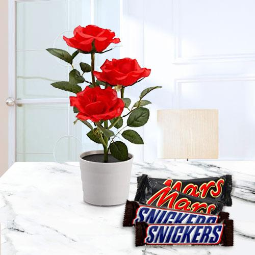 Aromatic Combo of Red Rose Planter with Chocolates
