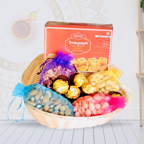 Indulgent Combo of Dry Fruits Basket with Sweets and Chocolates<br>