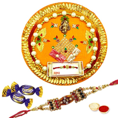 Classic Rakhi with Rakhi Thali Chocolates with Love<br /><font color=#0000FF>Free Delivery in USA</font>