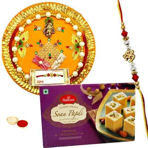 Gorgeous Rakhi Gift with Bond of Love<br /><font color=#0000FF>Free Delivery in USA</font>