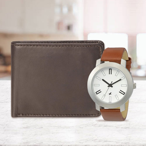 Charismatic Fastrack Watch with a Leather Wallet for Men