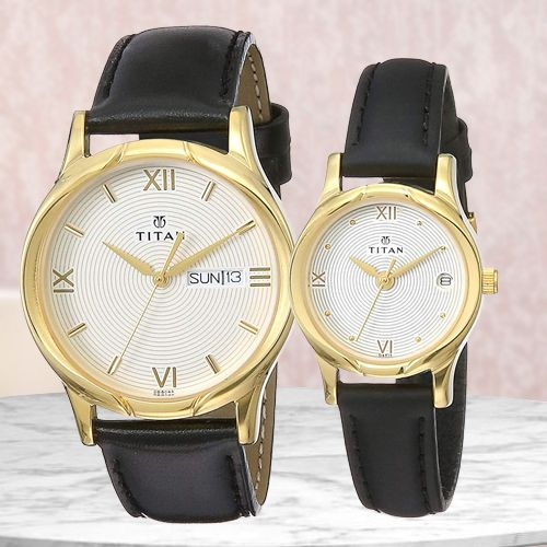 Remarkable Titan Bandhan Analog Couple Watch