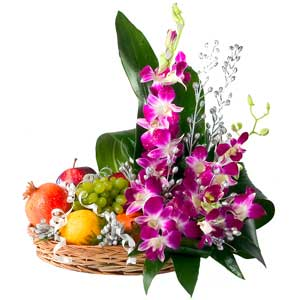 Splendid Flowers with mixed fresh Fruits